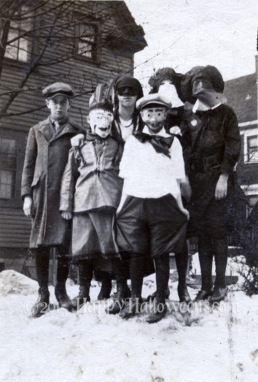 Six in the Snow - 1920s