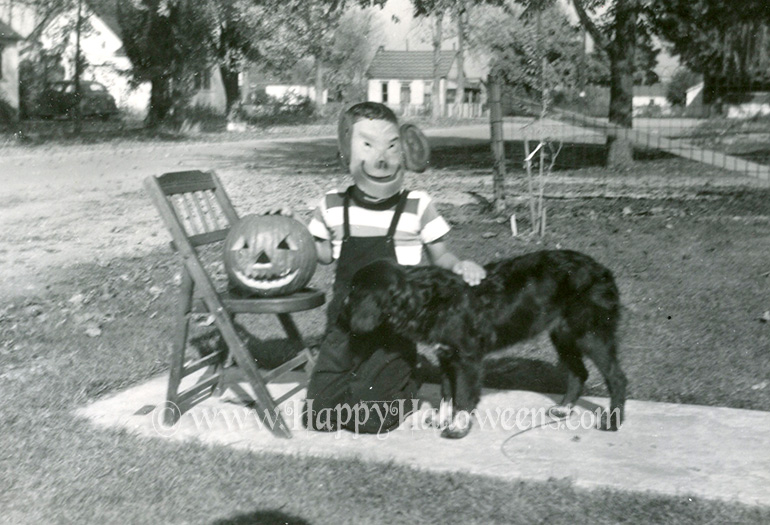Children And Pumpkin Set - 1940s