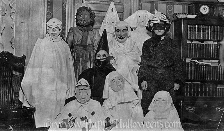 10 ghoulish costumes form the 1920s / 1930s ?