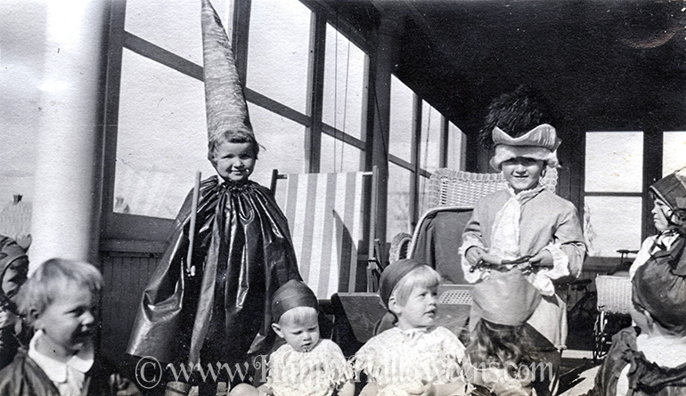 The little kids are having a costume party - 1928