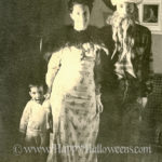 Family Halloween photo from 1952